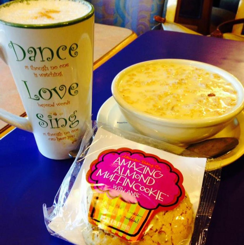 """Photo of Campus Coffee Bean  by <a href=""""/members/profile/PinkOrca"""">PinkOrca</a> <br/>almond milk latte, granola with soy milk and vegan cookie! <br/> May 5, 2014  - <a href='/contact/abuse/image/47026/69431'>Report</a>"""