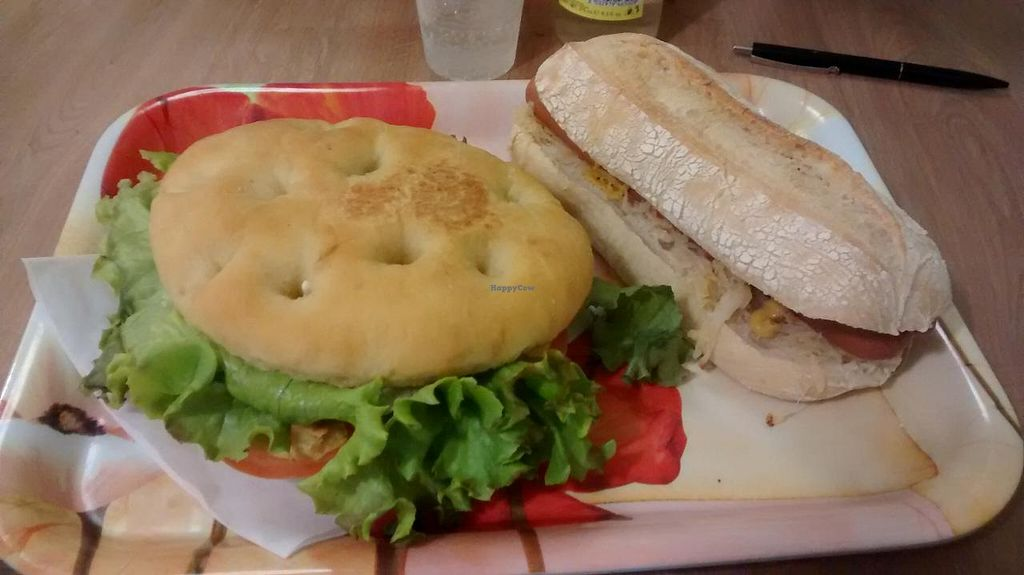 """Photo of Universo Vegano  by <a href=""""/members/profile/JonJon"""">JonJon</a> <br/>Hot vegan and Focaccia sandwich <br/> September 22, 2014  - <a href='/contact/abuse/image/47226/80700'>Report</a>"""