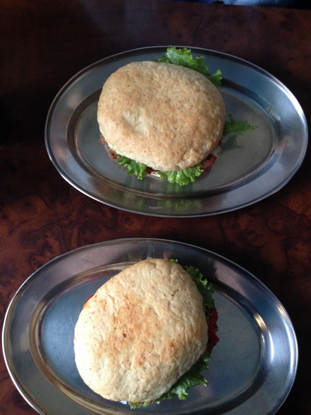 """Photo of CLOSED: Rastaburger - Wiracocha  by <a href=""""/members/profile/alexisnao"""">alexisnao</a> <br/>Vegan hamburgers <br/> September 26, 2015  - <a href='/contact/abuse/image/47227/119263'>Report</a>"""