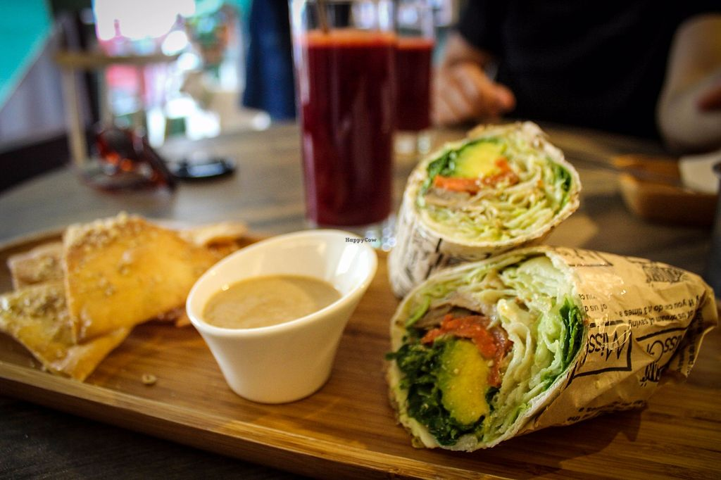 """Photo of Miss Green  by <a href=""""/members/profile/SueClesh"""">SueClesh</a> <br/>avocado wrap <br/> October 28, 2017  - <a href='/contact/abuse/image/47254/319520'>Report</a>"""