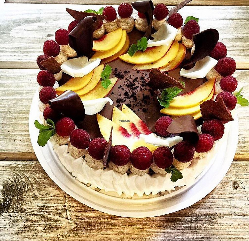 "Photo of Zelen  by <a href=""/members/profile/AliceKivilova"">AliceKivilova</a> <br/>berry cake  <br/> November 12, 2016  - <a href='/contact/abuse/image/47285/189050'>Report</a>"