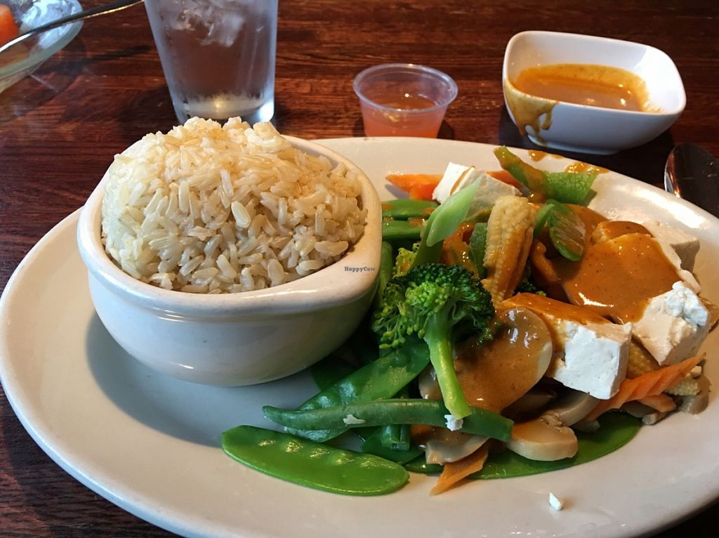 "Photo of Bangkok Garden  by <a href=""/members/profile/LauraFlowers"">LauraFlowers</a> <br/>Brown rice for $2 extra.  <br/> February 4, 2016  - <a href='/contact/abuse/image/47314/134959'>Report</a>"