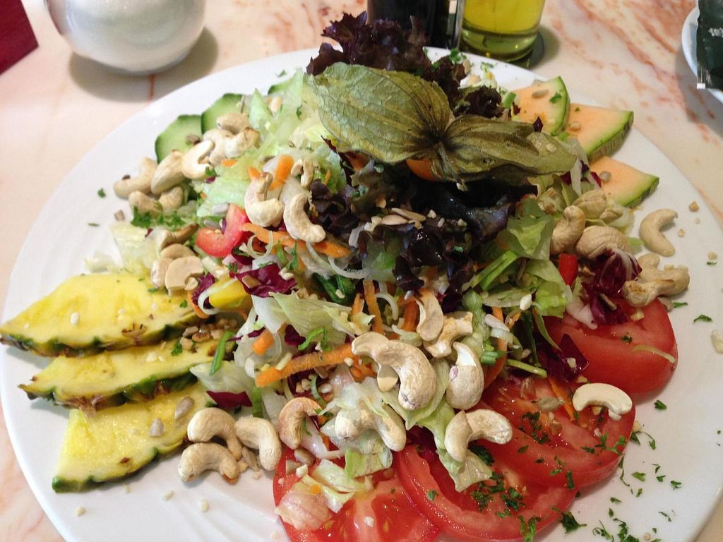 "Photo of Caspar David and Co  by <a href=""/members/profile/Pamina"">Pamina</a> <br/>Caspar David & Co, Bremerhaven - almond & cashew nut salad <br/> September 13, 2014  - <a href='/contact/abuse/image/47324/79787'>Report</a>"
