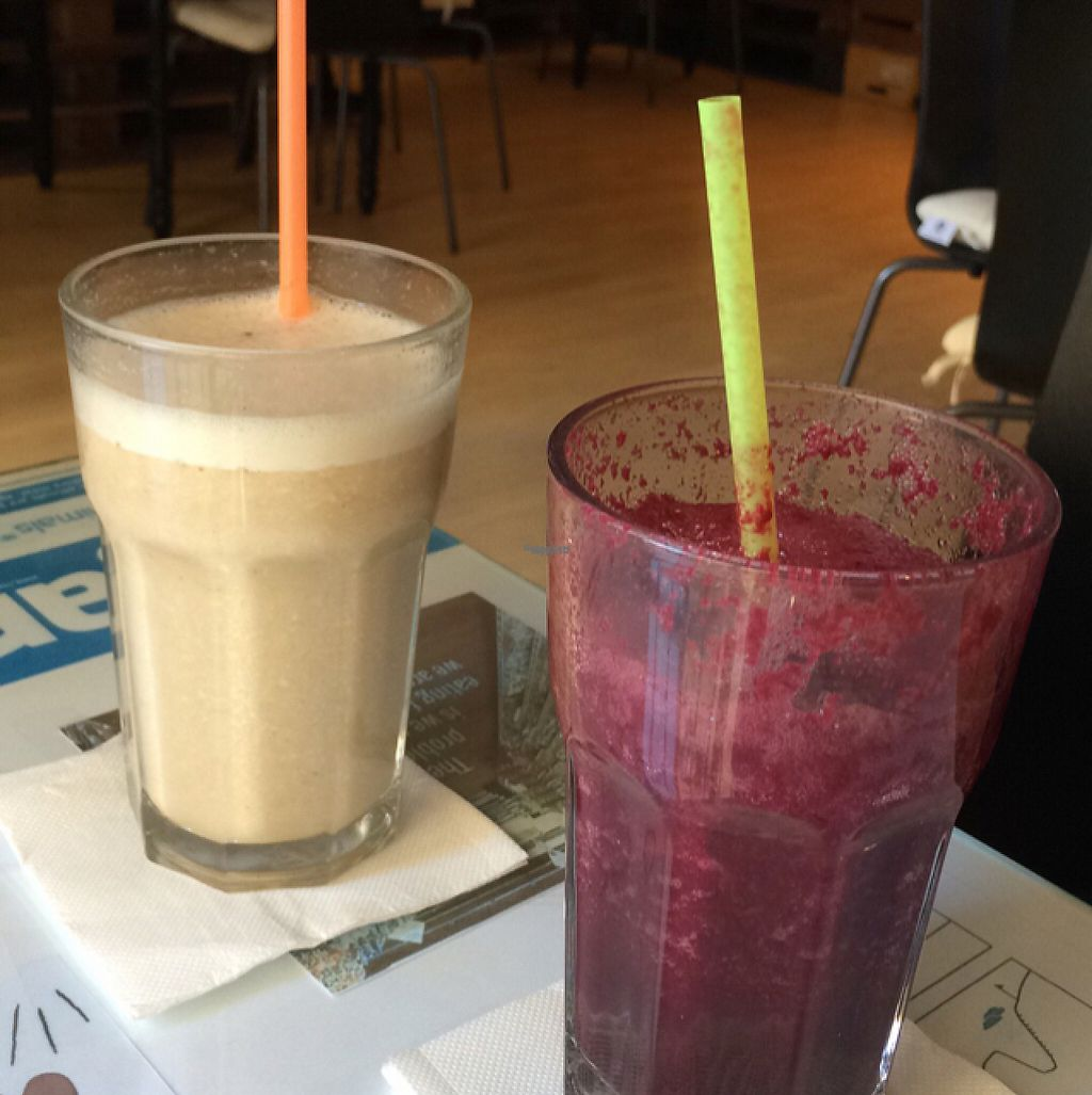 """Photo of Chirimoya Healthy Food Station  by <a href=""""/members/profile/Arkie"""">Arkie</a> <br/>Fruity and heslthy drinks with spelt milk or waterbaded <br/> January 5, 2017  - <a href='/contact/abuse/image/47326/208403'>Report</a>"""