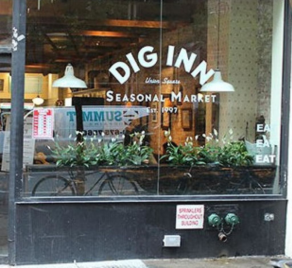 """Photo of Dig Inn - Union Square  by <a href=""""/members/profile/community"""">community</a> <br/>Dig Inn Seasonal Market <br/> May 14, 2014  - <a href='/contact/abuse/image/47350/211681'>Report</a>"""