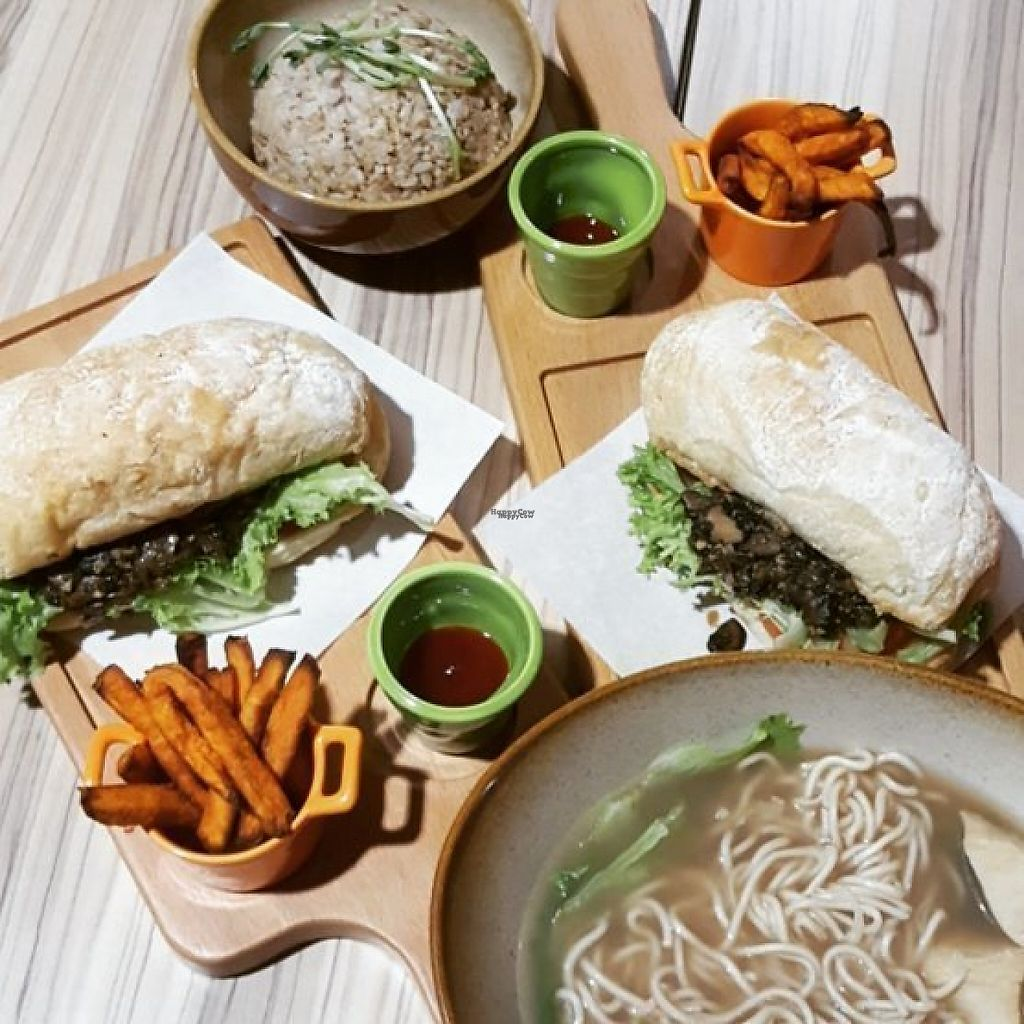 """Photo of Airport - BMS Organics  by <a href=""""/members/profile/ThatVeganCouple"""">ThatVeganCouple</a> <br/>Mushroom sandwich, noodle soup and rice. (That Vegan Couple)  <br/> December 8, 2016  - <a href='/contact/abuse/image/47389/198184'>Report</a>"""