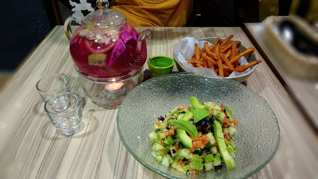 """Photo of Airport - BMS Organics  by <a href=""""/members/profile/ChoyYuen"""">ChoyYuen</a> <br/>Sweet potato fries, fruit salad, fruit tea <br/> April 12, 2018  - <a href='/contact/abuse/image/47389/384516'>Report</a>"""