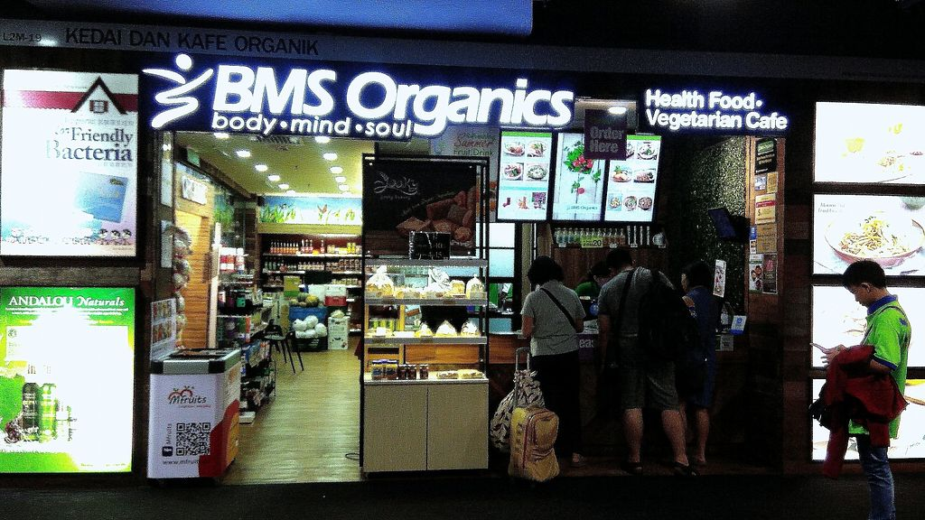 """Photo of Airport - BMS Organics  by <a href=""""/members/profile/ChoyYuen"""">ChoyYuen</a> <br/>Image of cashier counter <br/> April 12, 2018  - <a href='/contact/abuse/image/47389/384519'>Report</a>"""