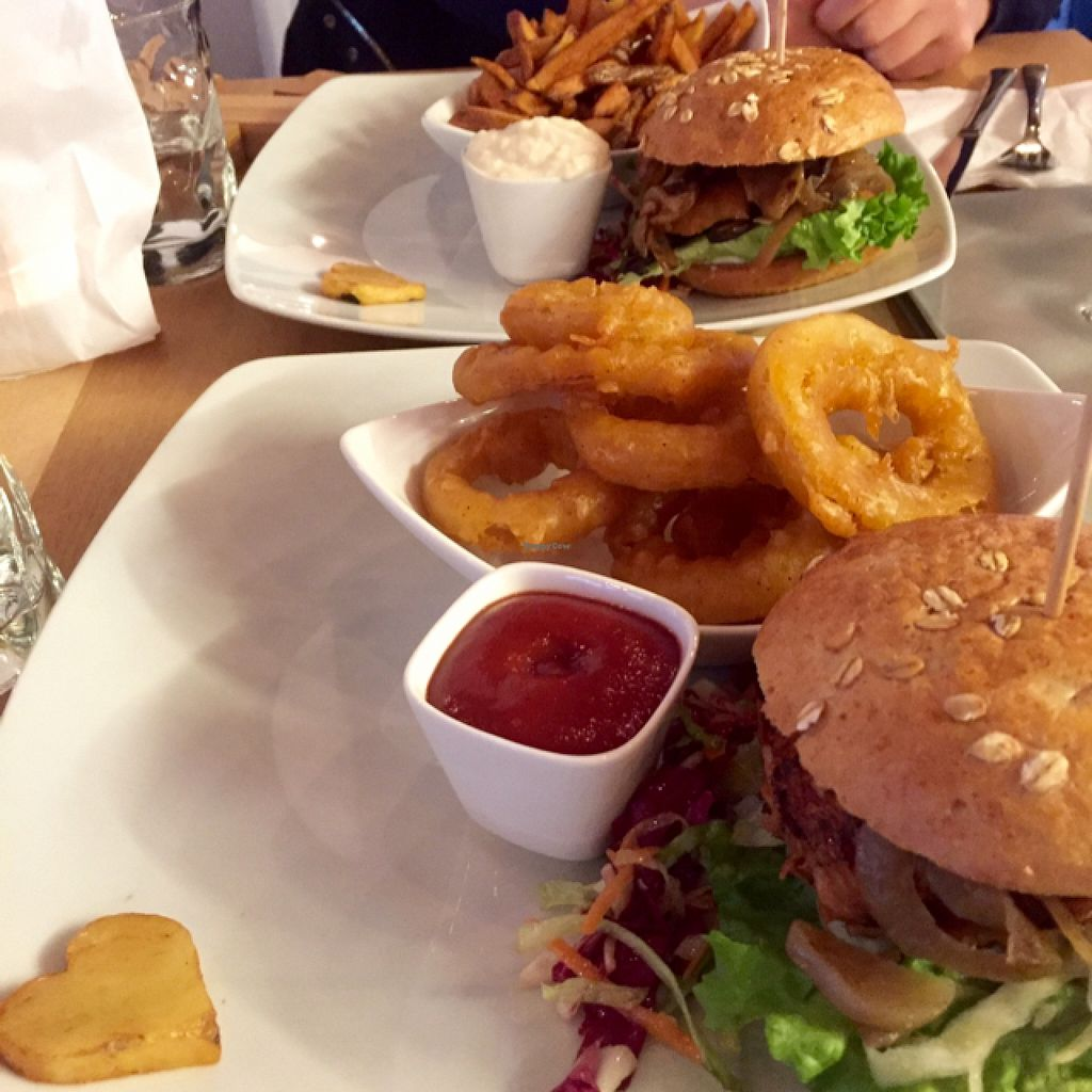 """Photo of Bunte Burger  by <a href=""""/members/profile/LillyHunt"""">LillyHunt</a> <br/>pulled jackfruit and America 'chicken' burger <br/> February 15, 2016  - <a href='/contact/abuse/image/47443/136446'>Report</a>"""