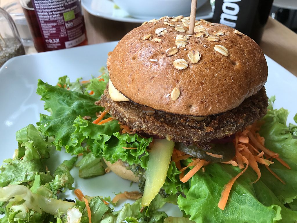 """Photo of Bunte Burger  by <a href=""""/members/profile/ChristineCoffee"""">ChristineCoffee</a> <br/>burger <br/> June 24, 2017  - <a href='/contact/abuse/image/47443/272978'>Report</a>"""