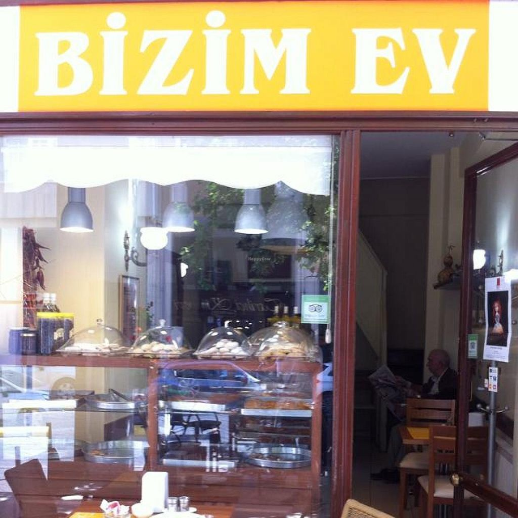 "Photo of Bizim Ev  by <a href=""/members/profile/DenizSarapli"">DenizSarapli</a> <br/>moda <br/> June 11, 2014  - <a href='/contact/abuse/image/47577/71850'>Report</a>"