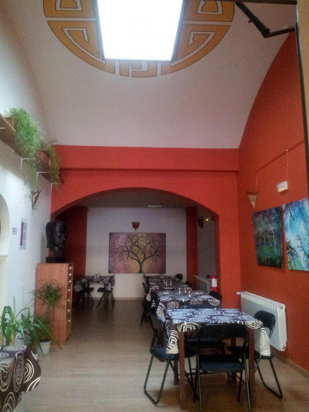 "Photo of Baratza Kafea  by <a href=""/members/profile/tina%20macrotina"">tina macrotina</a> <br/>Beautiful restaurant and unique in Pamplona. Near of the river and 5 minutes from the old city center. Lunch time from 13:15 to 15:45. Food to take away. Phone +34 948046625 <br/> June 8, 2014  - <a href='/contact/abuse/image/47622/71661'>Report</a>"