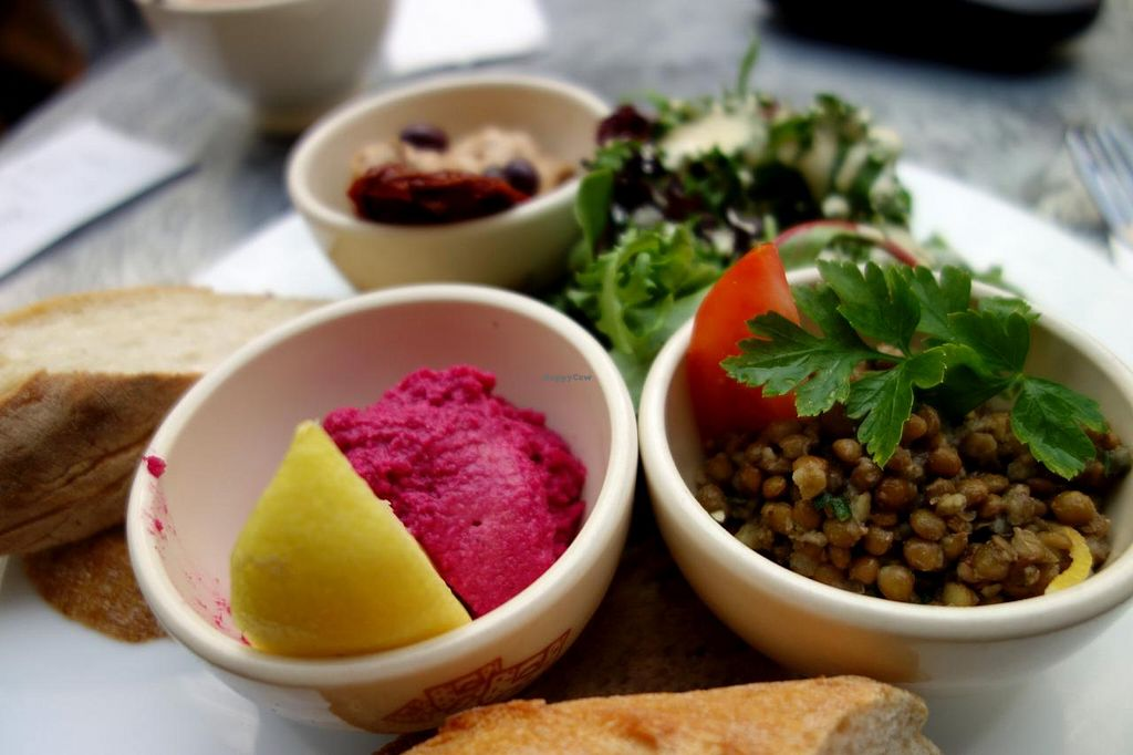 """Photo of Le Pain Quotidien -  Galerie de la Reine  by <a href=""""/members/profile/Gudrun"""">Gudrun</a> <br/>Unfortunately the sauce in this 'vegan' dish contained egg...  <br/> June 1, 2014  - <a href='/contact/abuse/image/47778/71239'>Report</a>"""