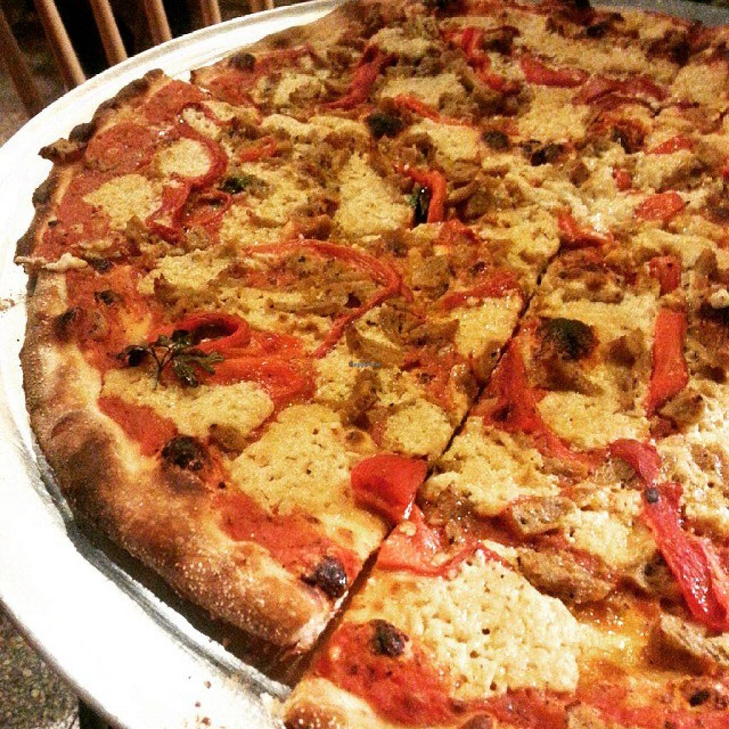 "Photo of Hatool HaYarok - The Green Cat  by <a href=""/members/profile/OdeliaCohen"">OdeliaCohen</a> <br/>The green cat's pizza with some roasted peppers & seitan <br/> June 5, 2015  - <a href='/contact/abuse/image/47808/104865'>Report</a>"