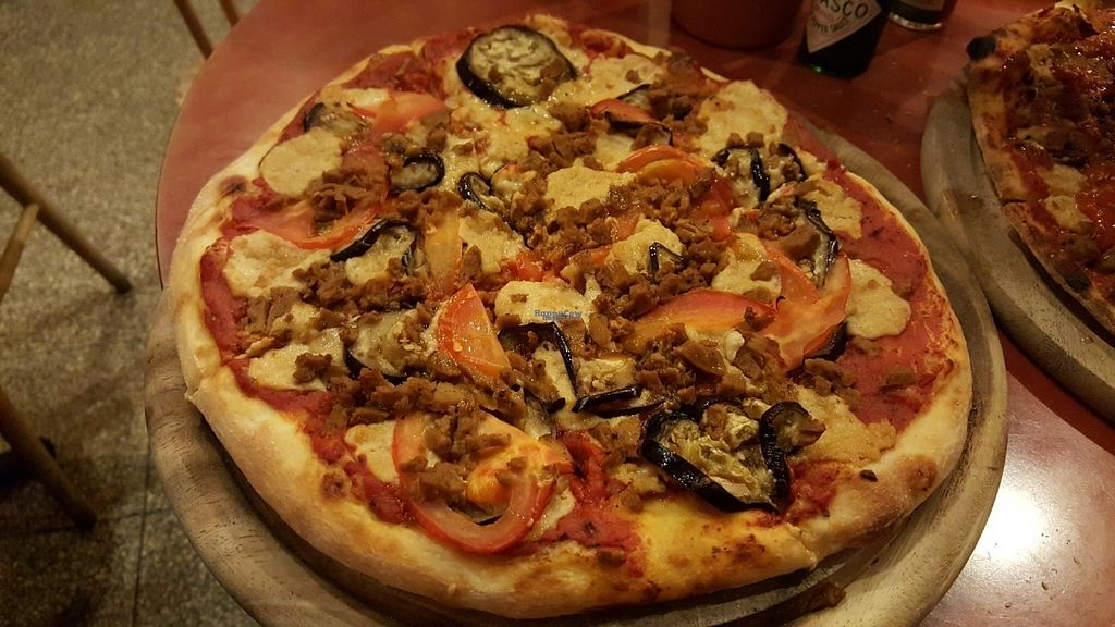 "Photo of Hatool HaYarok - The Green Cat  by <a href=""/members/profile/Atar%20Herbivora"">Atar Herbivora</a> <br/>Seitan, eggplant and tomato pizza (with cashew cheese) <br/> October 3, 2016  - <a href='/contact/abuse/image/47808/179506'>Report</a>"