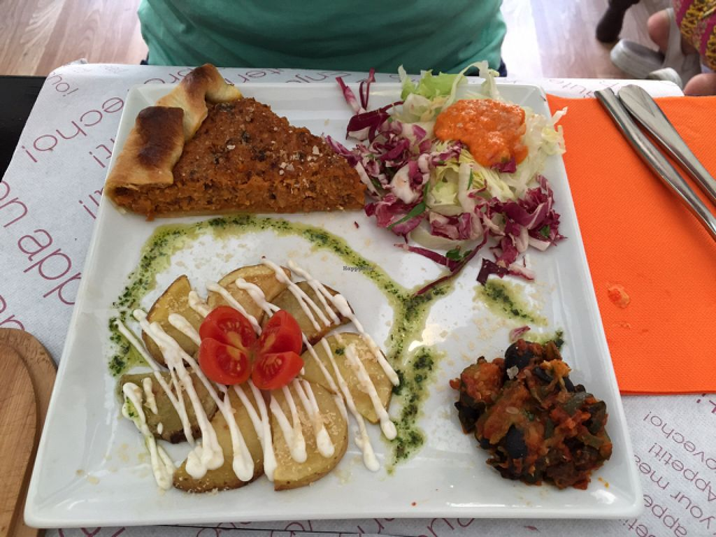 """Photo of Alhambra Cafe  by <a href=""""/members/profile/L_Almo_Clelarco"""">L_Almo_Clelarco</a> <br/>Tortino con patate e altre leccornie  <br/> August 8, 2015  - <a href='/contact/abuse/image/47914/112703'>Report</a>"""