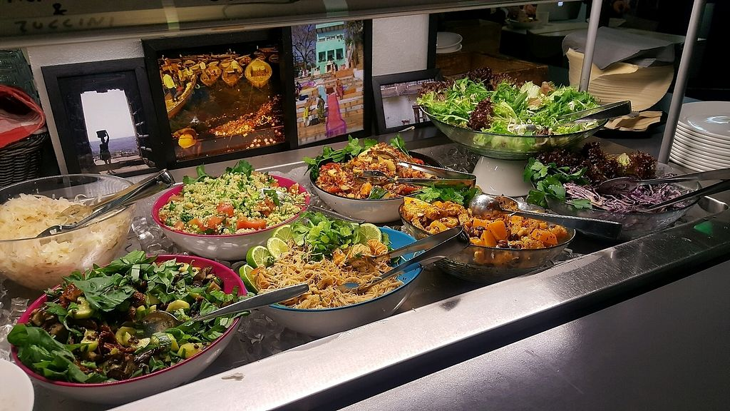 """Photo of OmNam  by <a href=""""/members/profile/NicNewbs"""">NicNewbs</a> <br/>salad buffet <br/> February 8, 2018  - <a href='/contact/abuse/image/47960/356353'>Report</a>"""
