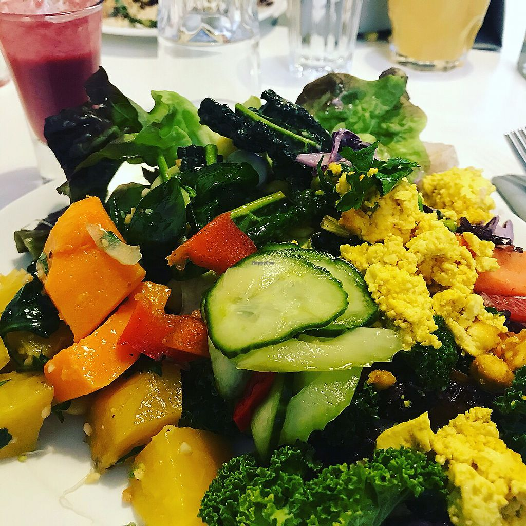 """Photo of OmNam  by <a href=""""/members/profile/TheVeganOne"""">TheVeganOne</a> <br/>Easter brunch buffet  <br/> April 3, 2018  - <a href='/contact/abuse/image/47960/380301'>Report</a>"""