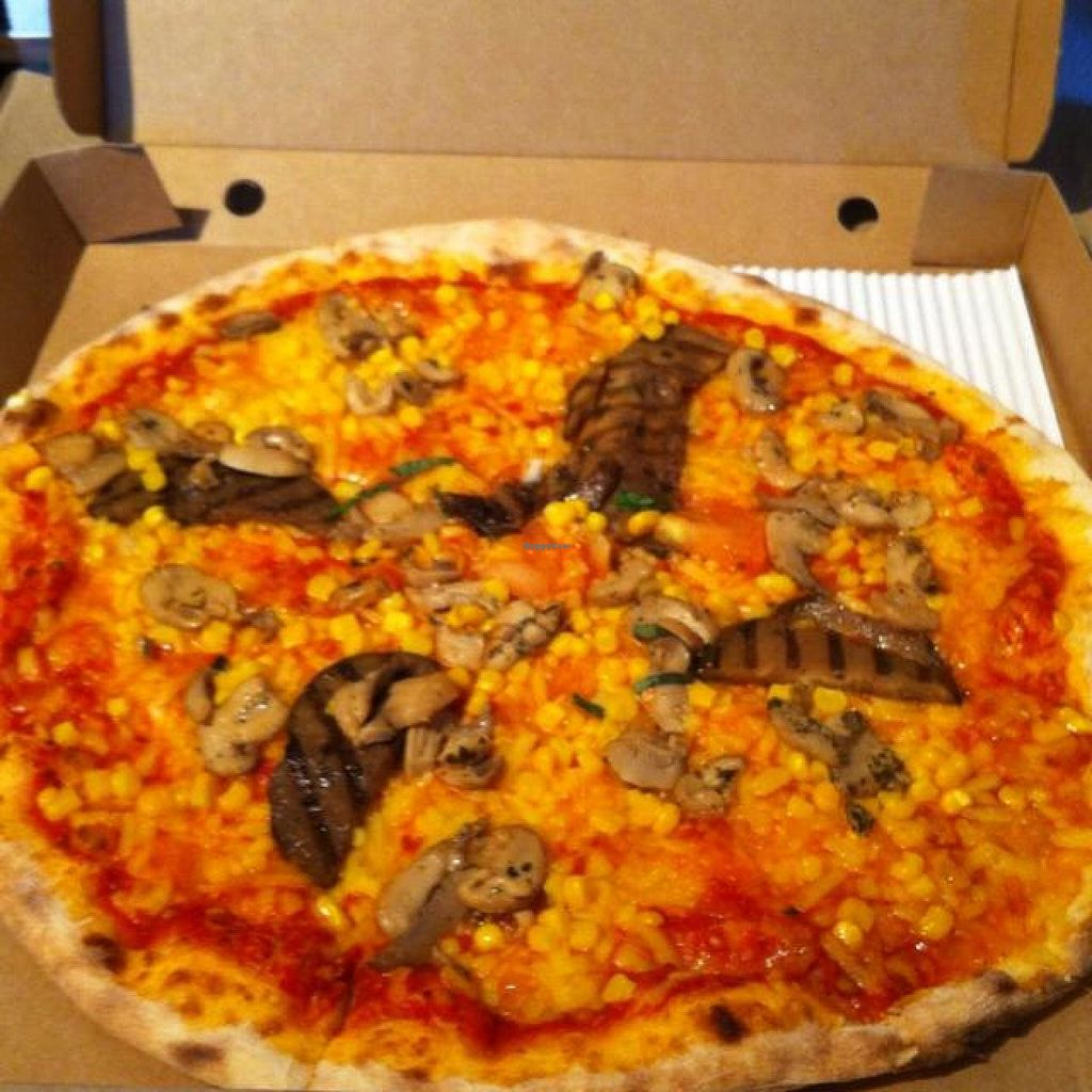 "Photo of Basilico - Crouch End  by <a href=""/members/profile/lysi"">lysi</a> <br/>vegetarian pizza with extra sweet corn n vegan cheese <br/> June 26, 2014  - <a href='/contact/abuse/image/48081/72872'>Report</a>"