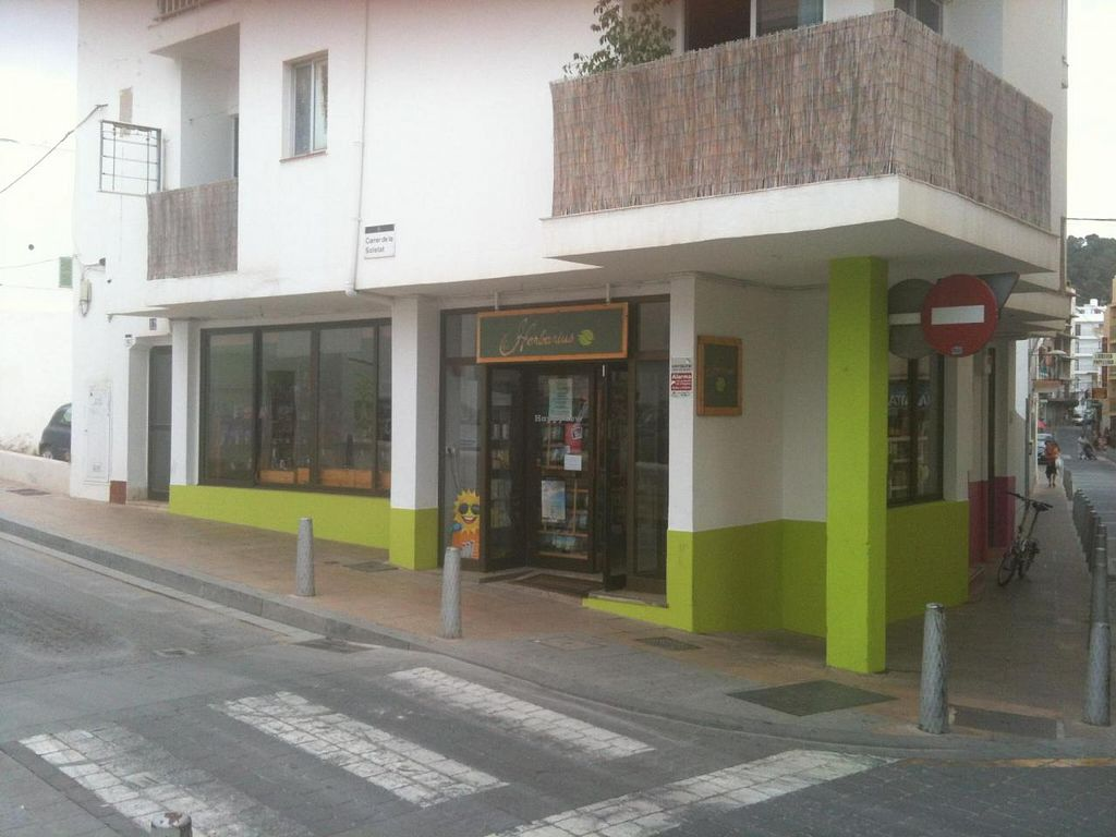 "Photo of Herbarius  by <a href=""/members/profile/vegandaisy77"">vegandaisy77</a> <br/>Herbarius Health Food Store (shares a building with vegan restaurant ESPACIO VEGANO IBIZA) <br/> June 24, 2014  - <a href='/contact/abuse/image/48234/72664'>Report</a>"