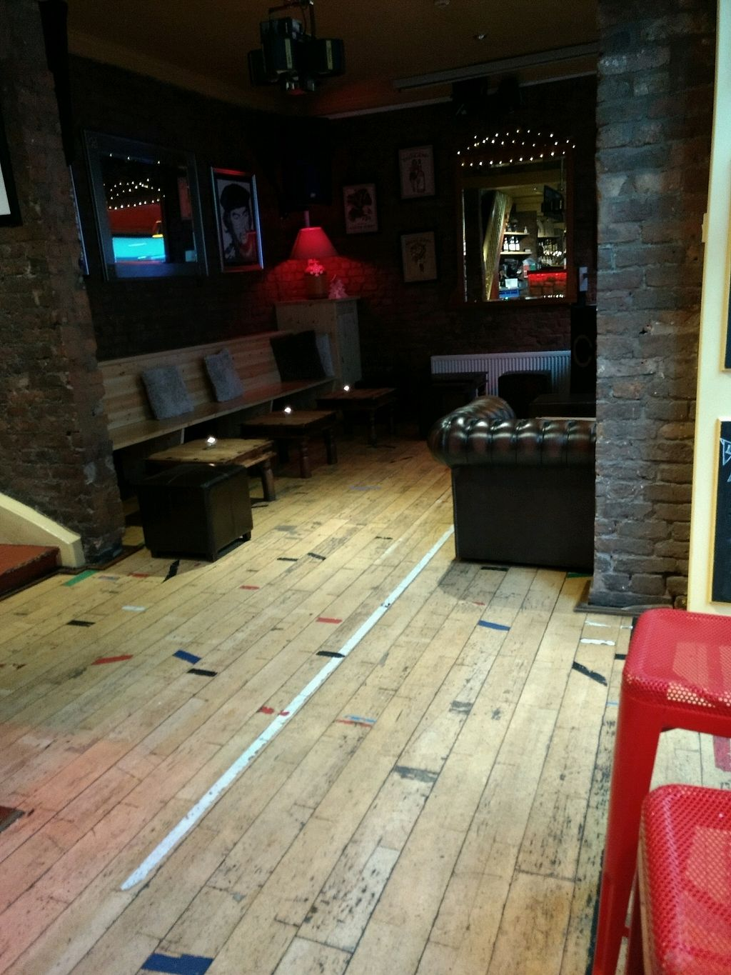 "Photo of Circle Cafe Bar  by <a href=""/members/profile/craigmc"">craigmc</a> <br/>chill <br/> December 20, 2017  - <a href='/contact/abuse/image/48280/337514'>Report</a>"