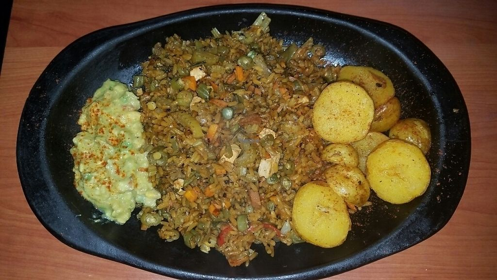 """Photo of De Nobles  by <a href=""""/members/profile/kenvegan"""">kenvegan</a> <br/>Paella vegano <br/> January 3, 2017  - <a href='/contact/abuse/image/48344/207796'>Report</a>"""