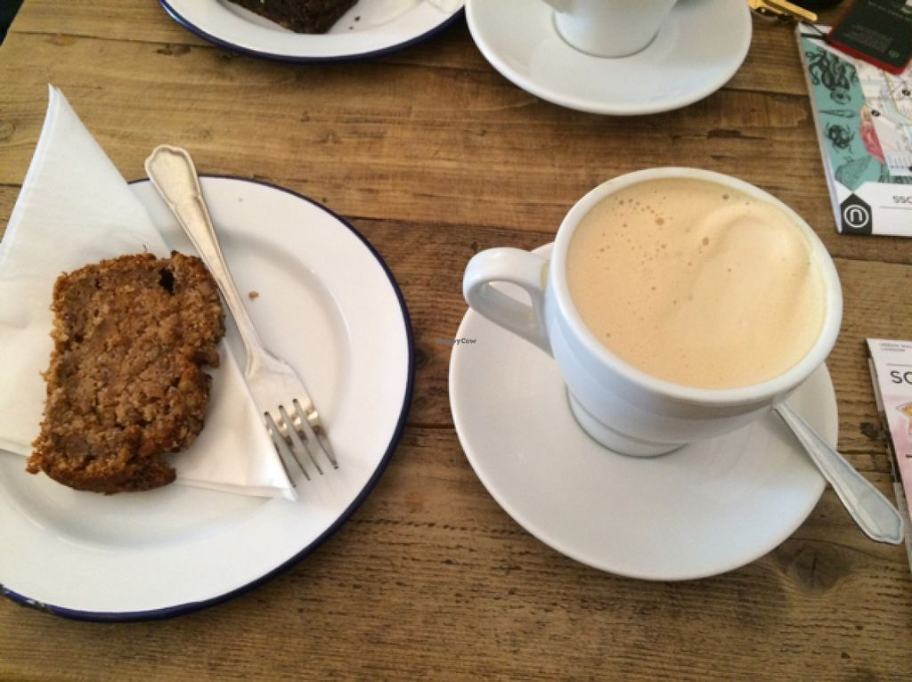"Photo of Hoxton North  by <a href=""/members/profile/MariaJade"">MariaJade</a> <br/>Banana and Walnut Slice with Soya Latte <br/> September 5, 2015  - <a href='/contact/abuse/image/48406/116474'>Report</a>"