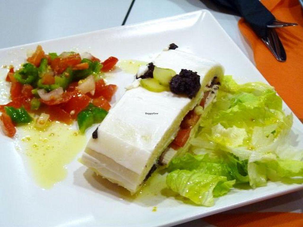 "Photo of CLOSED: El Plato Reberde  by <a href=""/members/profile/Nihacc"">Nihacc</a> <br/>Potato 'barrica' with tofu, black olive spread and avocado <br/> December 1, 2014  - <a href='/contact/abuse/image/48545/86917'>Report</a>"