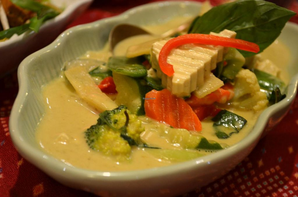 "Photo of River Kwai Thai and Burmese  by <a href=""/members/profile/chocoholicPhilosophe"">chocoholicPhilosophe</a> <br/>Tofu green curry <br/> July 11, 2014  - <a href='/contact/abuse/image/48731/73784'>Report</a>"