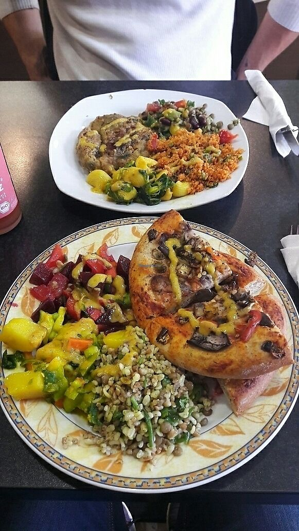 "Photo of Kiez Vegan - Kortestrasse  by <a href=""/members/profile/coi"">coi</a> <br/>Salads and pizza <br/> June 14, 2017  - <a href='/contact/abuse/image/48783/269048'>Report</a>"