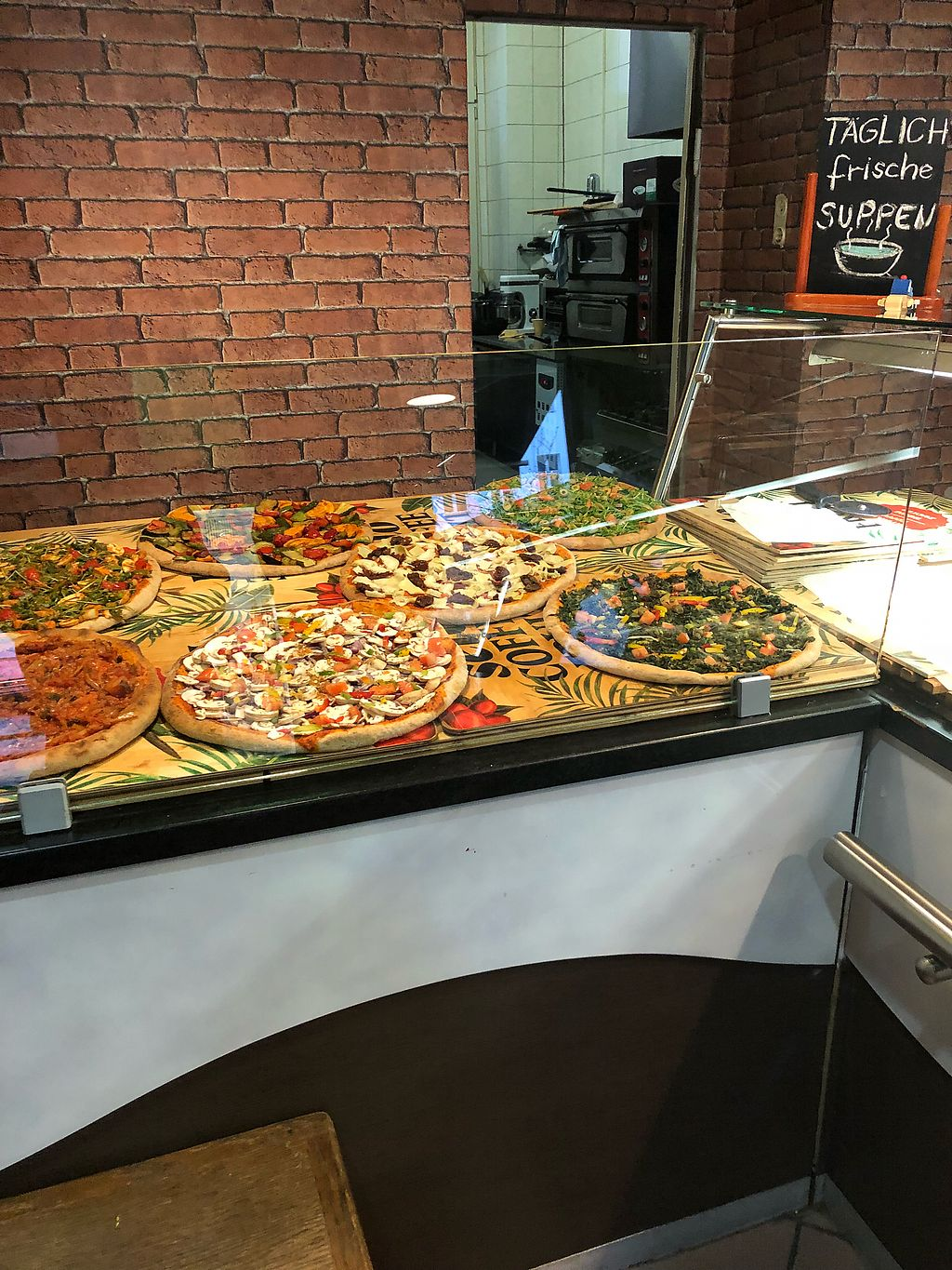 "Photo of Kiez Vegan - Kortestrasse  by <a href=""/members/profile/Elliskatee"">Elliskatee</a> <br/>Pizza <br/> January 26, 2018  - <a href='/contact/abuse/image/48783/351073'>Report</a>"
