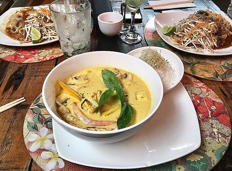 """Photo of Pad Thai  by <a href=""""/members/profile/CamilaSilvaL"""">CamilaSilvaL</a> <br/>Curry  <br/> February 5, 2018  - <a href='/contact/abuse/image/48824/355192'>Report</a>"""