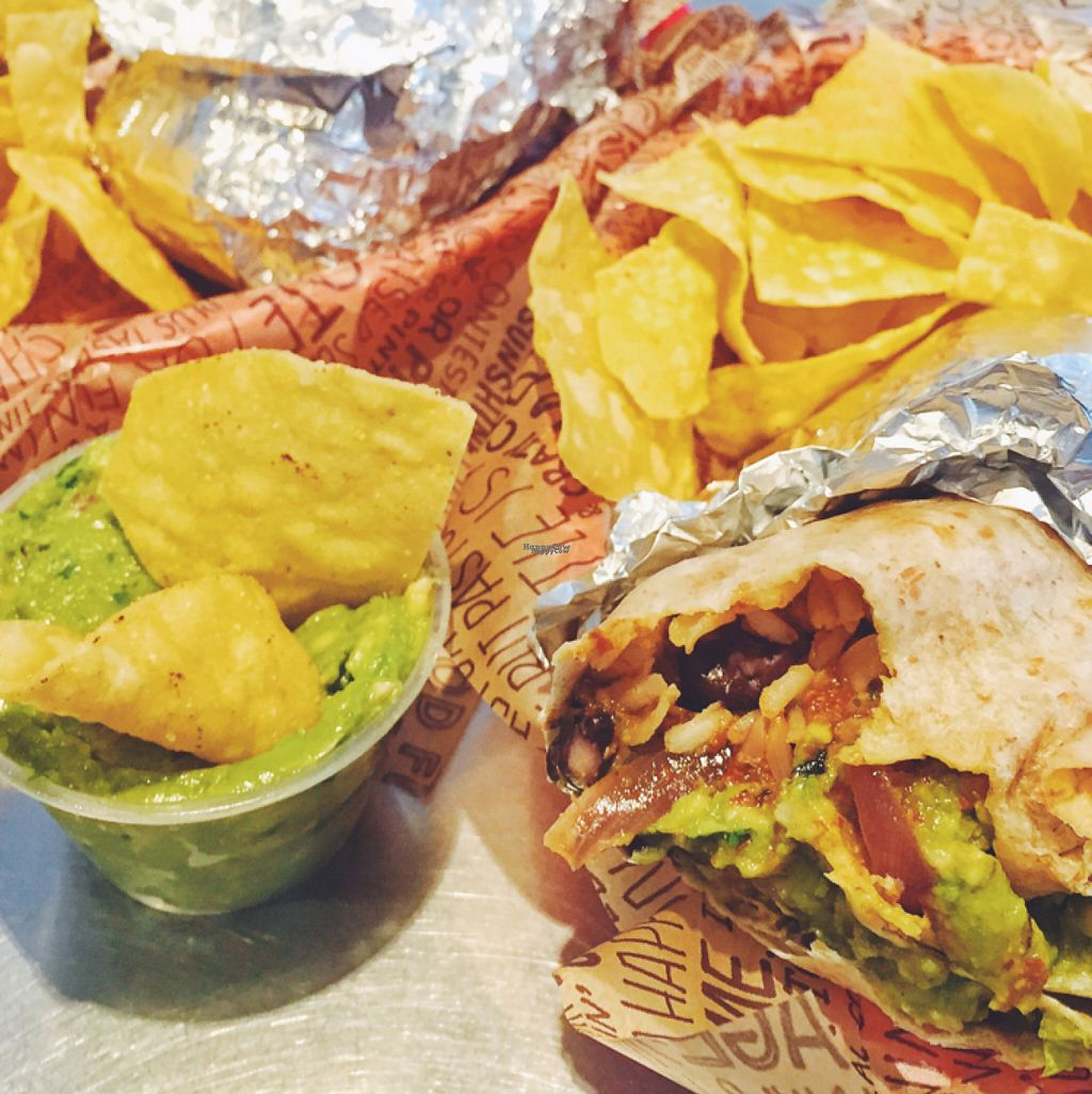 "Photo of Chipotle  by <a href=""/members/profile/guillehdezp"">guillehdezp</a> <br/>Tasty and cheap! <br/> August 18, 2016  - <a href='/contact/abuse/image/48959/169681'>Report</a>"