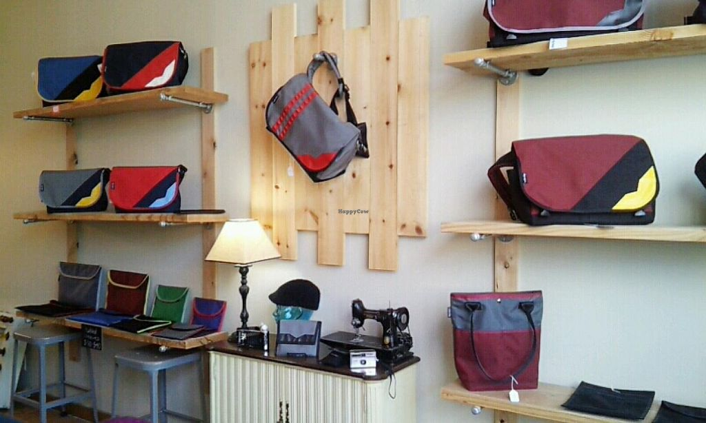 Photo of Velo City Bags  by Navegante <br/>Sep 2014, products inside <br/> September 15, 2014  - <a href='/contact/abuse/image/48989/80037'>Report</a>