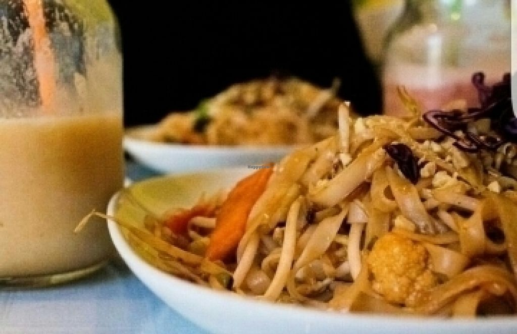 "Photo of Tamarind Vietnamese Grill and Noodle House  by <a href=""/members/profile/tzeitelabrego"">tzeitelabrego</a> <br/>Vegan Pad Thai with Mango and Strawberry Smoothies <br/> July 27, 2016  - <a href='/contact/abuse/image/49030/162640'>Report</a>"