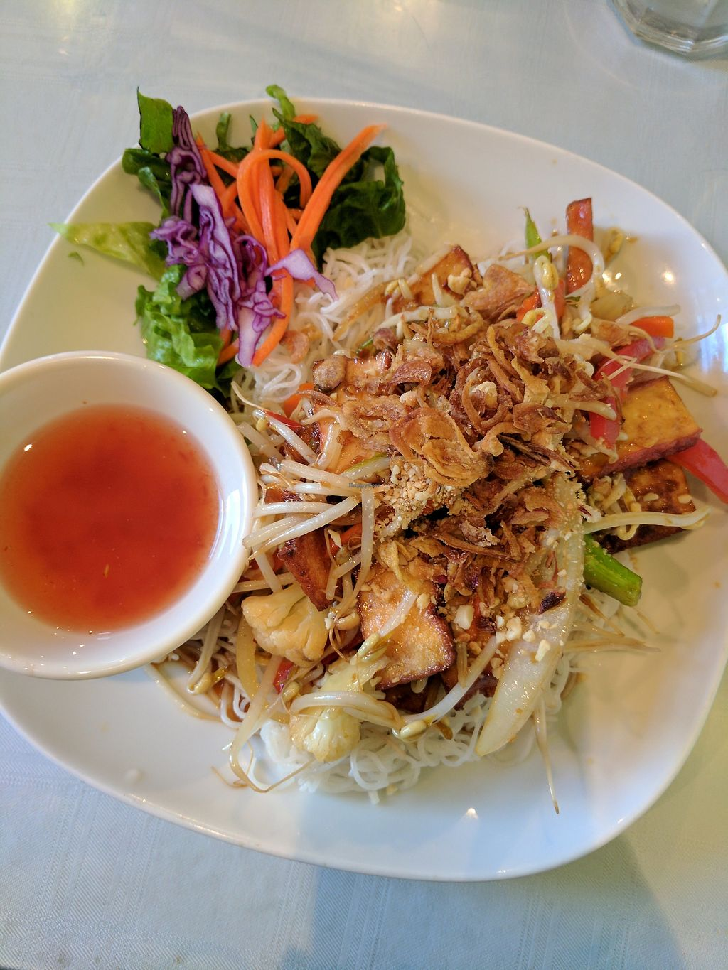 "Photo of Tamarind Vietnamese Grill and Noodle House  by <a href=""/members/profile/lmcc"">lmcc</a> <br/>Lemongrass tofu vermicelli  <br/> July 5, 2017  - <a href='/contact/abuse/image/49030/276900'>Report</a>"