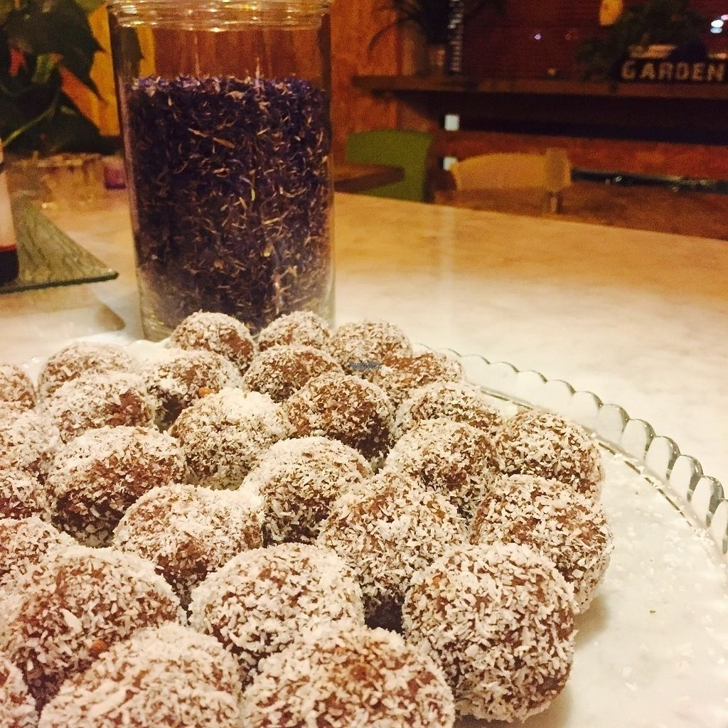 "Photo of Bioveggy  by <a href=""/members/profile/CinziaRe"">CinziaRe</a> <br/>Raw, vegan gluten free sweet balls with cocoa, almonds & coconut <br/> October 19, 2016  - <a href='/contact/abuse/image/49087/182963'>Report</a>"