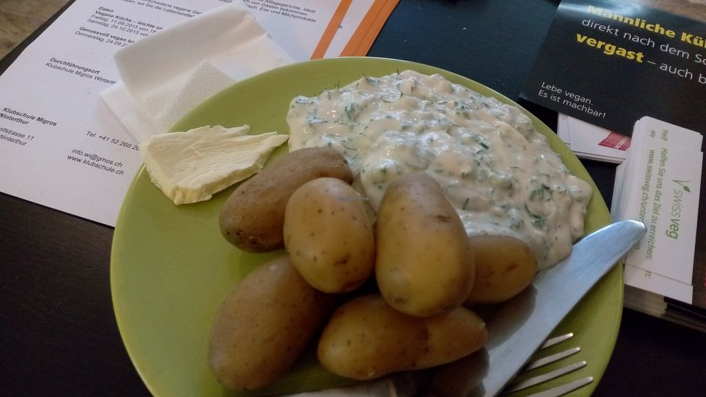 "Photo of Suess and Vegan  by <a href=""/members/profile/NinomaeJyuuichi"">NinomaeJyuuichi</a> <br/>Potatoes & Sour cream, so good! <br/> October 11, 2015  - <a href='/contact/abuse/image/49172/121038'>Report</a>"