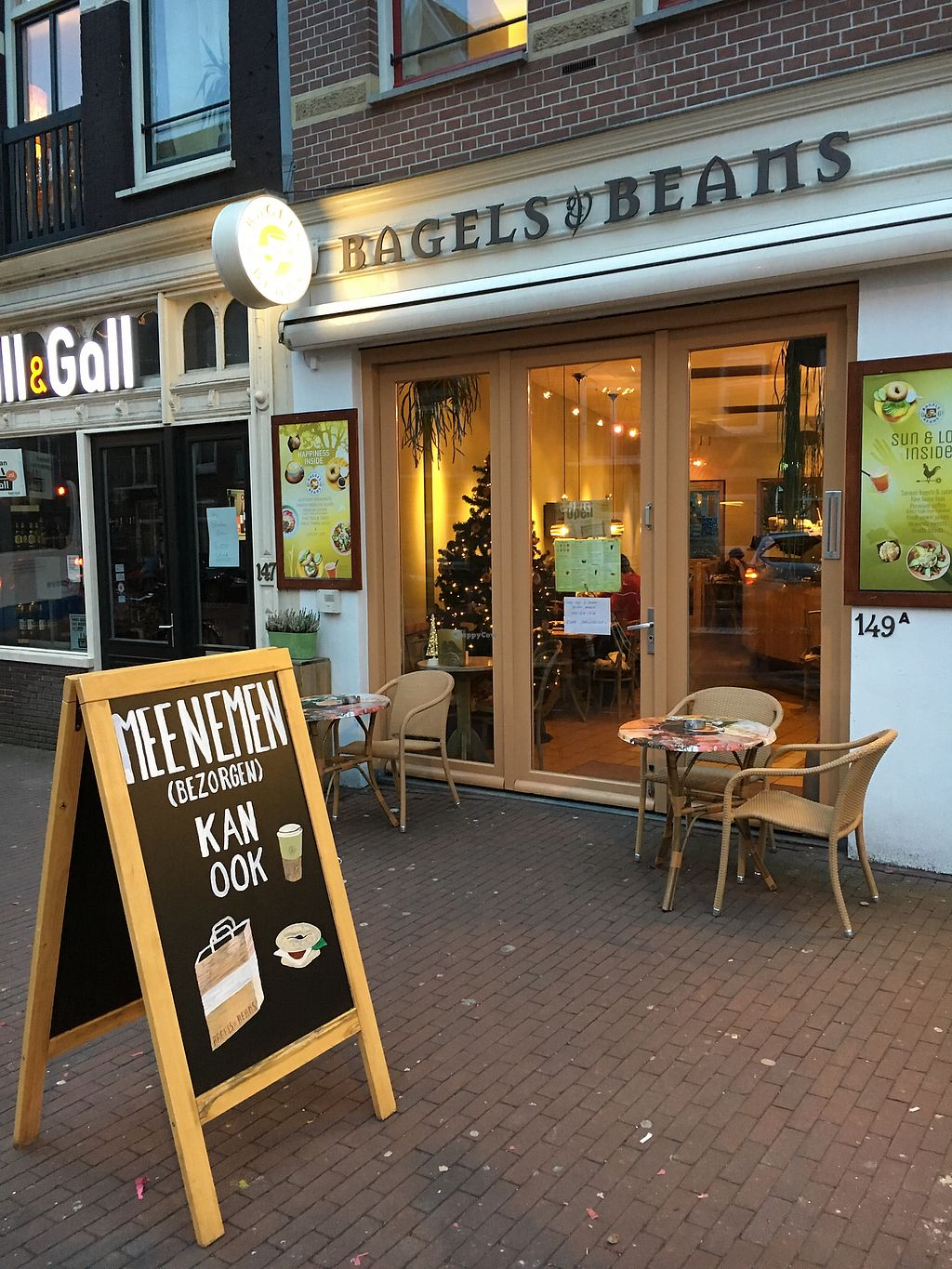 "Photo of Bagels & Beans - Spaarndammerstraat  by <a href=""/members/profile/hack_man"">hack_man</a> <br/>Exterior  <br/> January 1, 2018  - <a href='/contact/abuse/image/49257/341666'>Report</a>"
