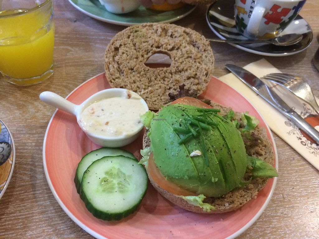 """Photo of Bagels & Beans - Van Baerlestraat  by <a href=""""/members/profile/TreeBrown"""">TreeBrown</a> <br/>With vegan red pepper cream cheese  <br/> September 30, 2017  - <a href='/contact/abuse/image/49259/310053'>Report</a>"""