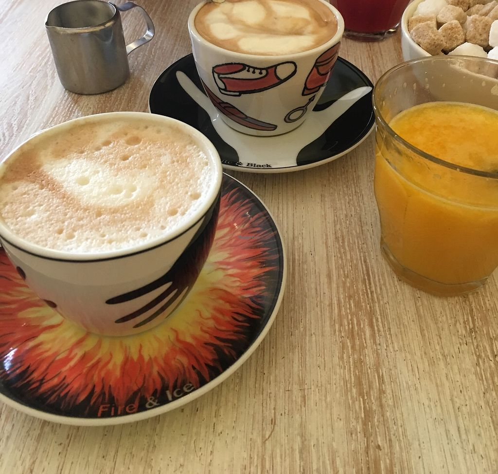 "Photo of Bagels & Beans - Waterlooplein  by <a href=""/members/profile/Alexandra_Sunshine"">Alexandra_Sunshine</a> <br/>Soy-cappuccino <br/> August 23, 2017  - <a href='/contact/abuse/image/49261/296409'>Report</a>"