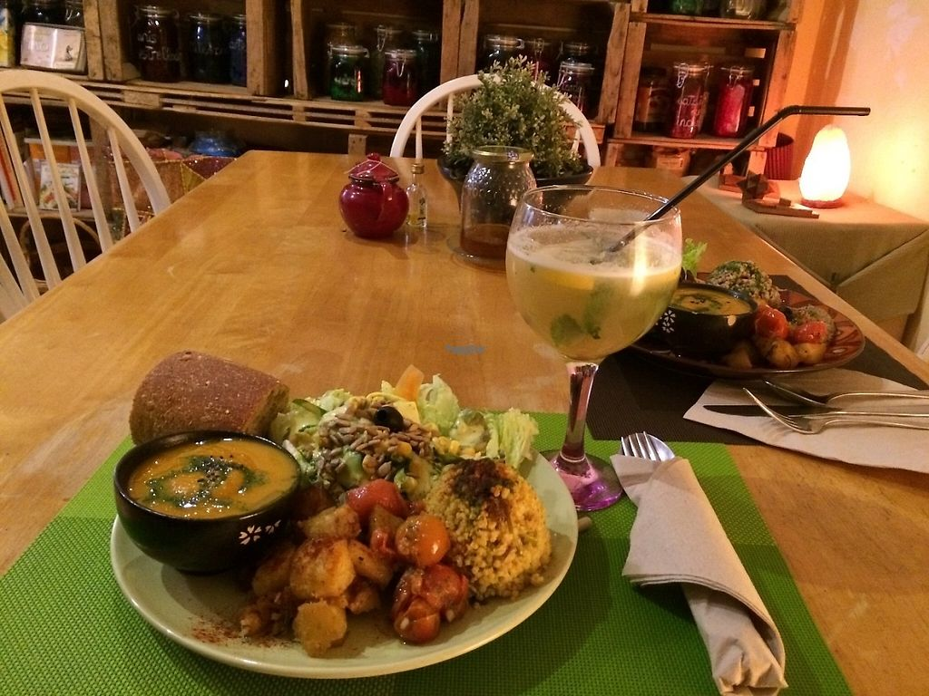 "Photo of Tiyoweh La Quietud  by <a href=""/members/profile/Veggie%20Mama"">Veggie Mama</a> <br/>Delicious plate of the day & amazing lemonade!  <br/> April 7, 2017  - <a href='/contact/abuse/image/49273/245572'>Report</a>"