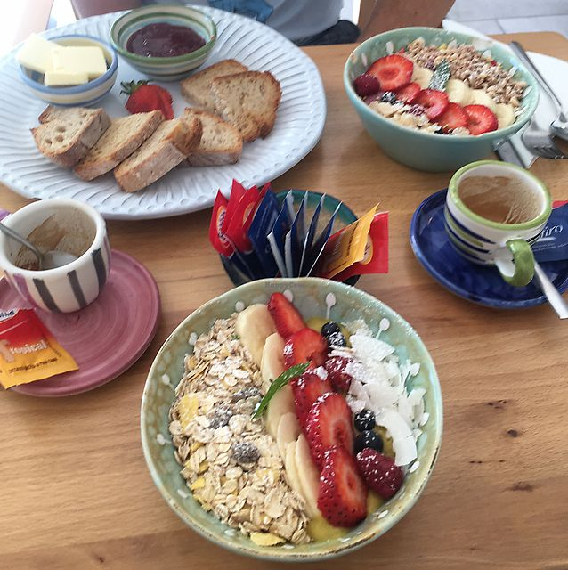 "Photo of Casa e Bottega Positano  by <a href=""/members/profile/nicgarwil"">nicgarwil</a> <br/>Mango and Berry smoothie bowls and toast, great espresso! <br/> June 20, 2017  - <a href='/contact/abuse/image/49295/271334'>Report</a>"
