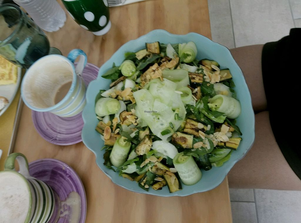 "Photo of Casa e Bottega Positano  by <a href=""/members/profile/YuvalLalyAzrad"">YuvalLalyAzrad</a> <br/>Salad with spinach, zucchini, peanuts, lettuce and cucumber rolls filled with avocado  <br/> September 23, 2017  - <a href='/contact/abuse/image/49295/307438'>Report</a>"