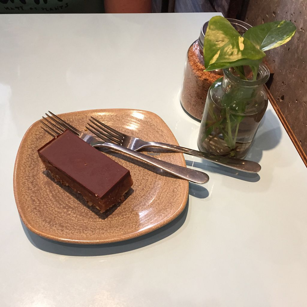 "Photo of Raw Trader  by <a href=""/members/profile/Wuji_Luiji"">Wuji_Luiji</a> <br/>chocolate and caramel slice <br/> February 2, 2017  - <a href='/contact/abuse/image/49383/220780'>Report</a>"