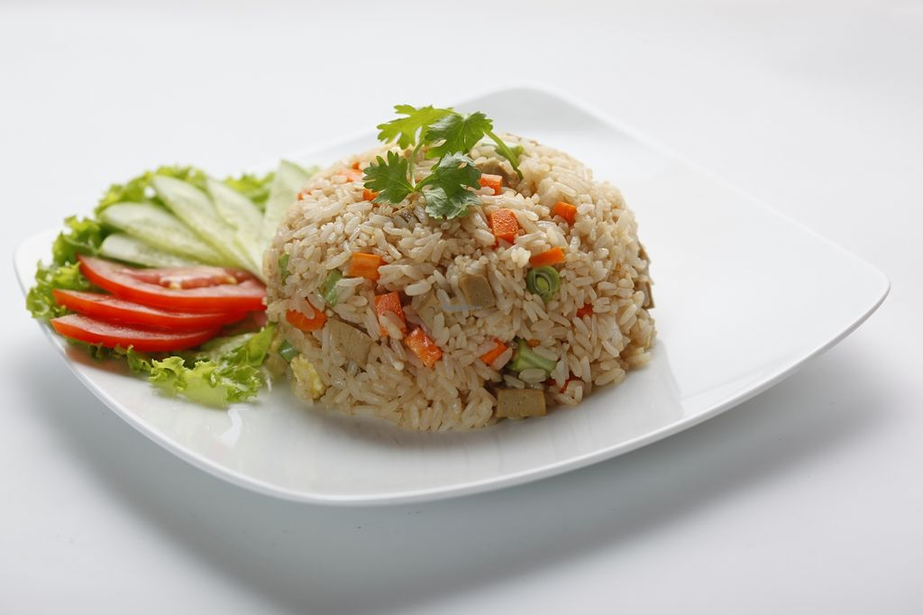 """Photo of San May - Q1  by <a href=""""/members/profile/HuynhHuuDanh"""">HuynhHuuDanh</a> <br/>fried rice with vegetables <br/> October 28, 2015  - <a href='/contact/abuse/image/50113/123044'>Report</a>"""