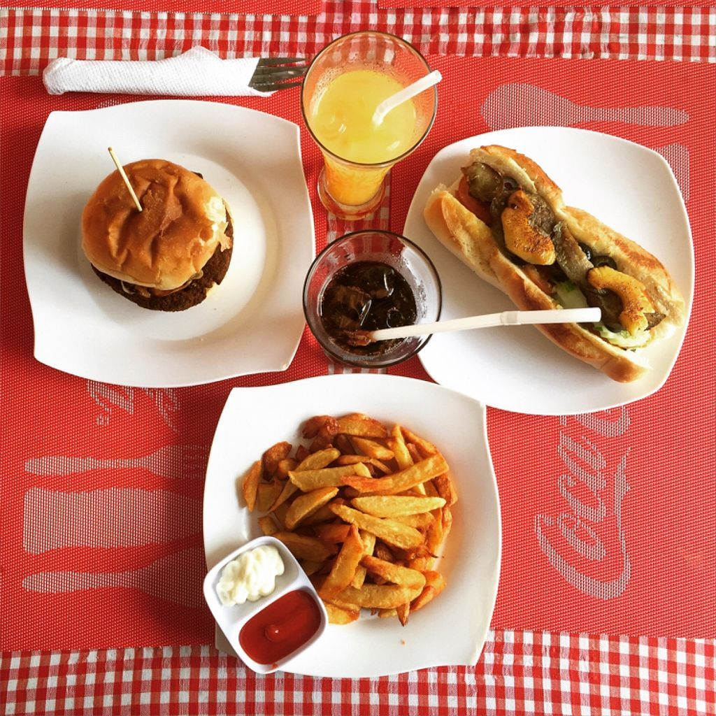 "Photo of CLOSED: Ernie's Burgers  by <a href=""/members/profile/malpu"">malpu</a> <br/>vegan burger and baguette  <br/> November 22, 2015  - <a href='/contact/abuse/image/50135/125756'>Report</a>"