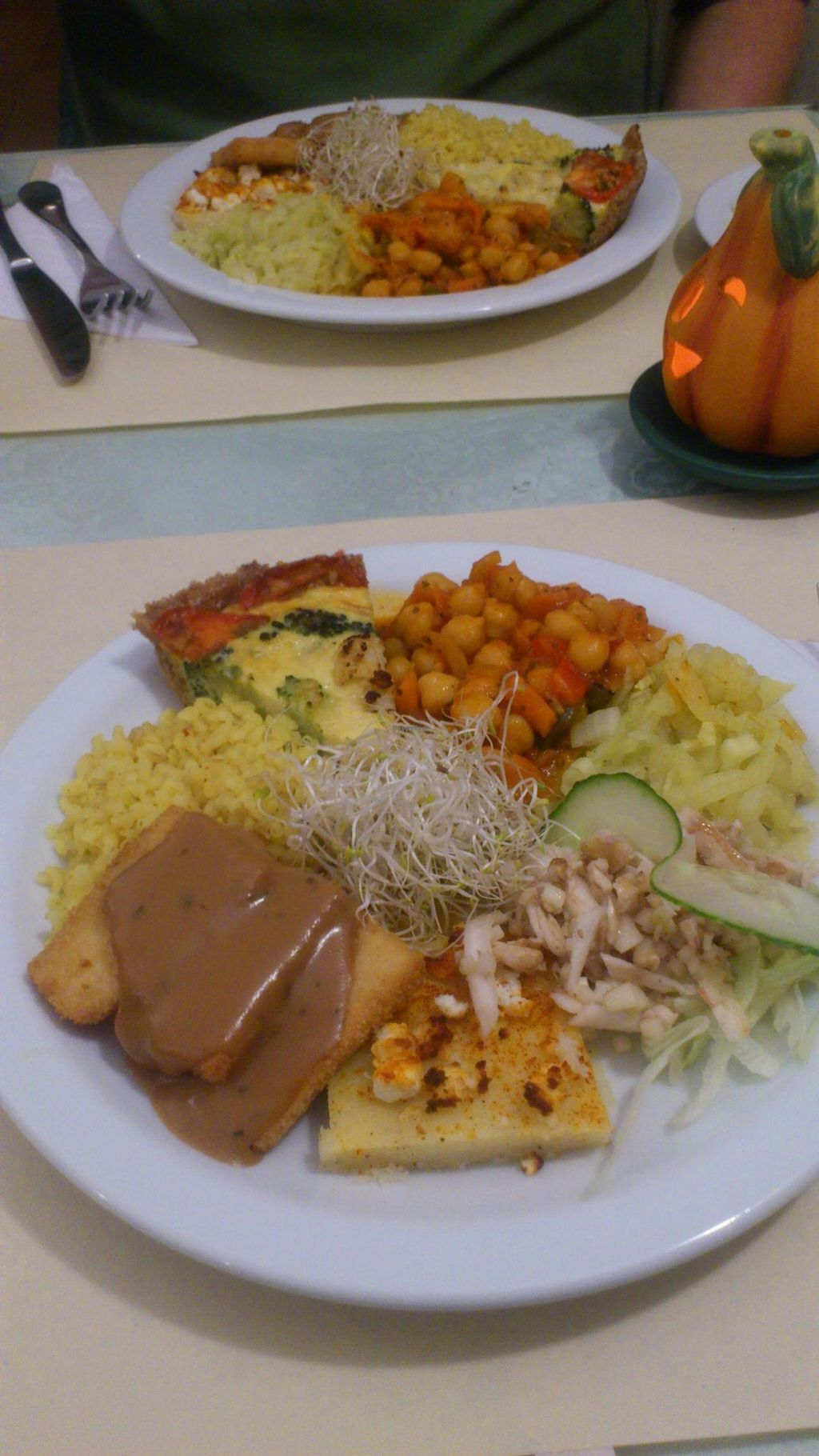"Photo of Grenoble  by <a href=""/members/profile/vagabond%20baker"">vagabond baker</a> <br/>Grenoble, Sint Niklaas: small plate, big plate at back (salad comes on the side to make more room on plate for more food!) <br/> November 21, 2014  - <a href='/contact/abuse/image/5024/86146'>Report</a>"