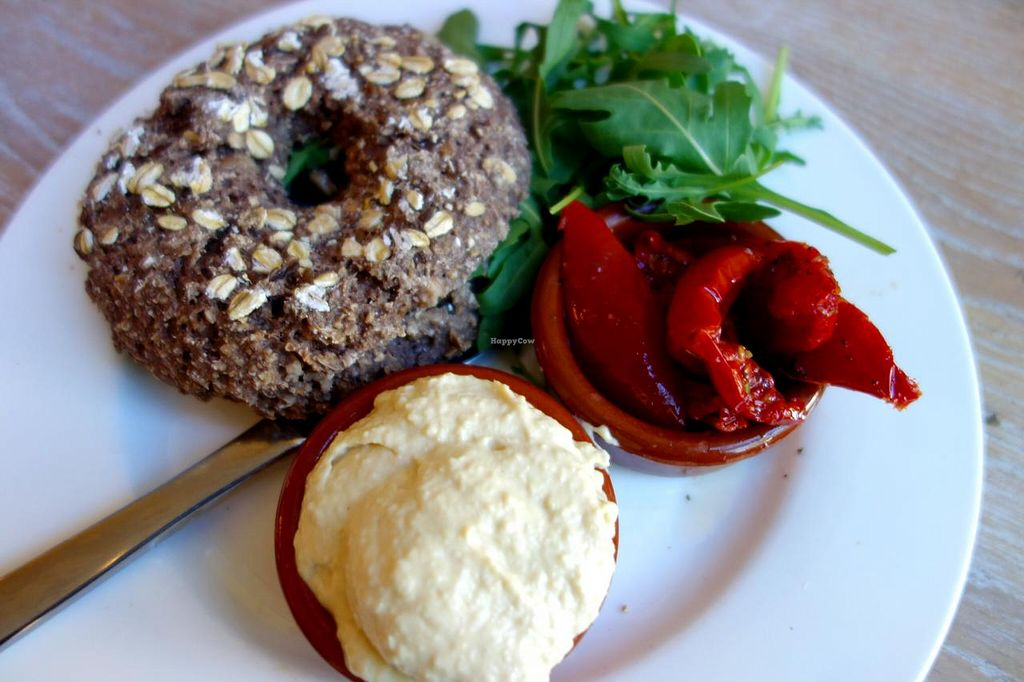 "Photo of Bagels & Beans - Plaats  by <a href=""/members/profile/Gudrun"">Gudrun</a> <br/>Vegan bagle <br/> September 1, 2014  - <a href='/contact/abuse/image/50266/78843'>Report</a>"