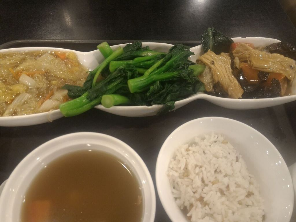 """Photo of Liza Veggies - Wan Chai  by <a href=""""/members/profile/ouikouik"""">ouikouik</a> <br/>$45 set lunch <br/> August 10, 2015  - <a href='/contact/abuse/image/50392/113009'>Report</a>"""